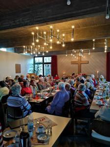 Fotos der ökumenischen Gemeindeadventsfeier 4.12 (3)