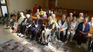 Besuch der Ev. Kirche durch Bewohner des Seniorenzentrums